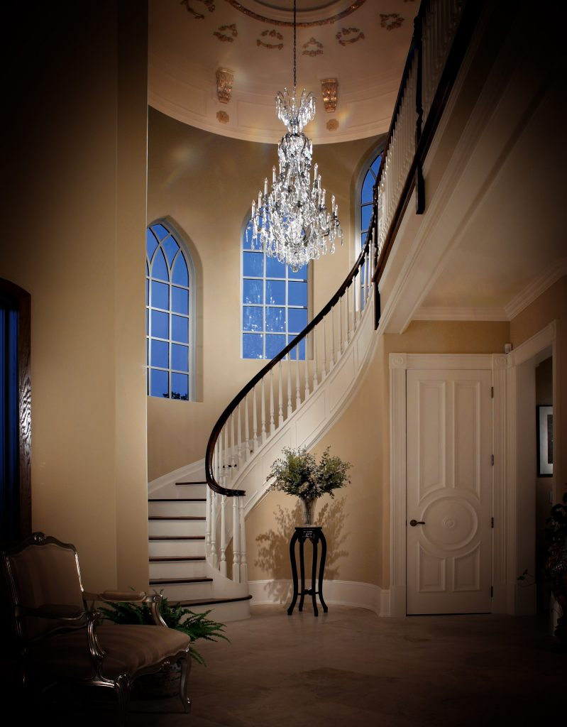 Modern Art of Crystal Chandeliers_Modstrass Blog_Hallway.jpg