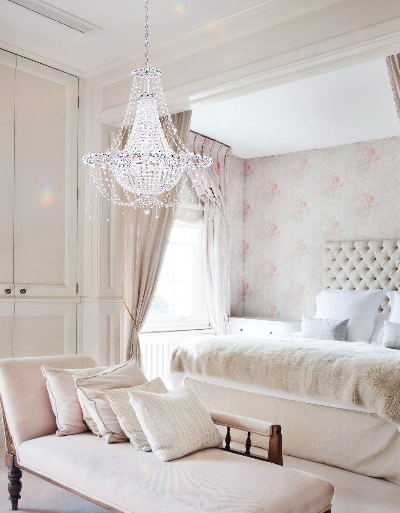 Modern Art of Crystal Chandeliers_Modstrass Blog_Bedroom.jpg