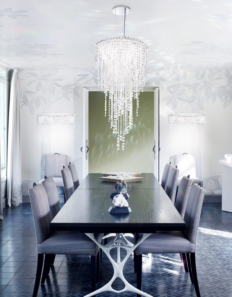 Modern Art of Crystal Chandeliers_Modstrass Blog_Dining Room2.jpg