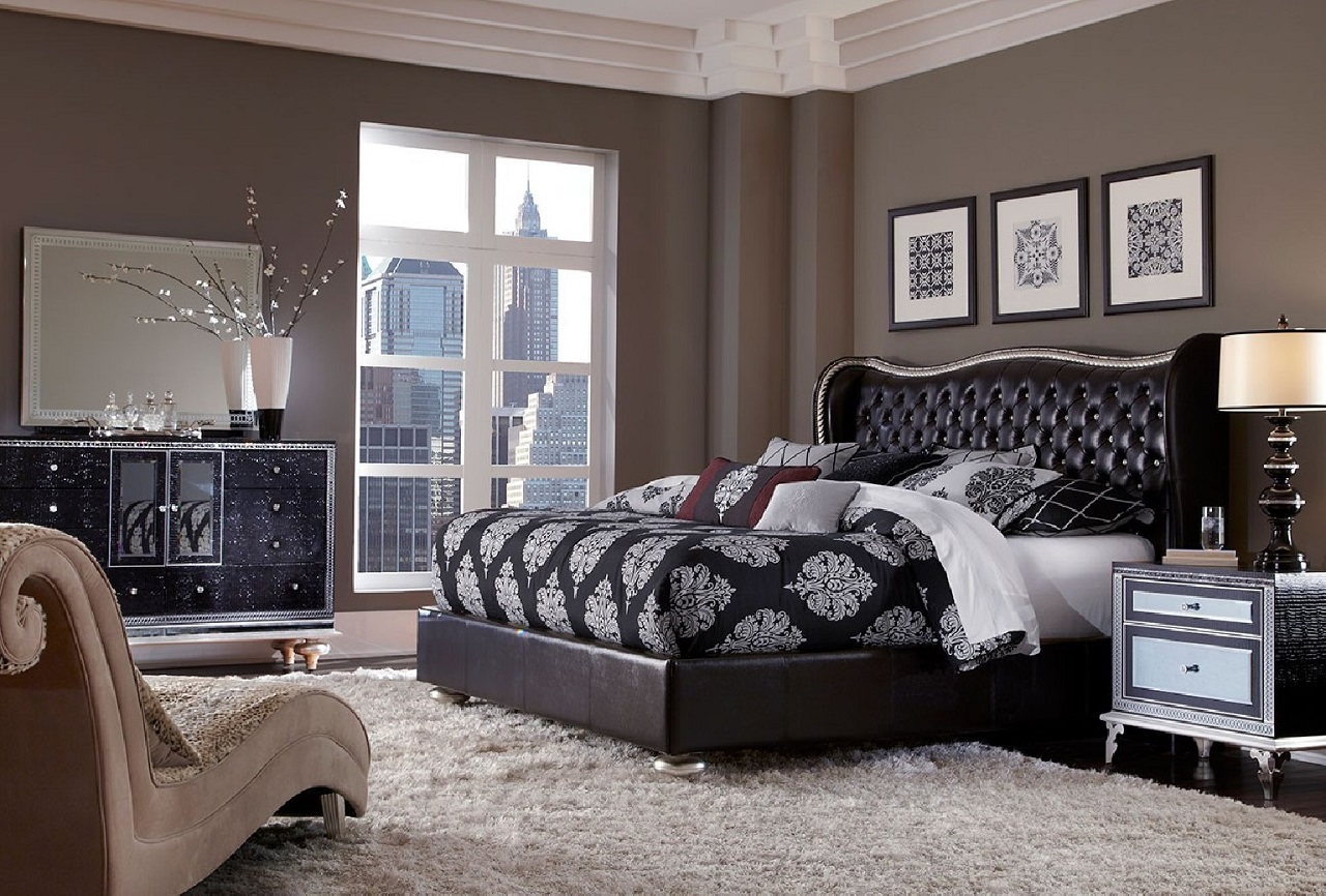 Art pieces for a glamorous bedroom
